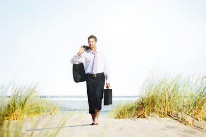政府が有給休暇「3日増」、実施企業に助成ものサムネイル画像