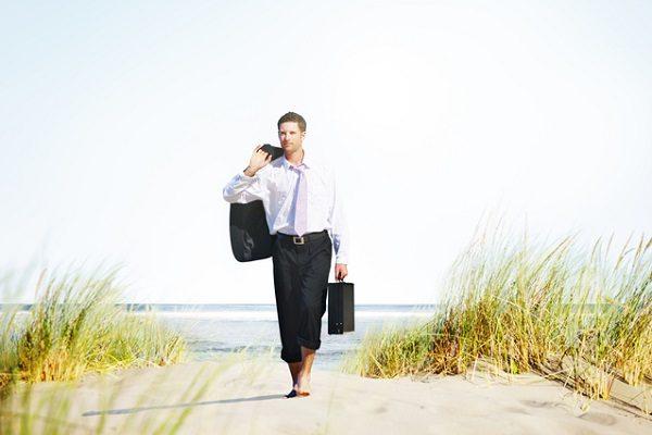 政府が有給休暇「3日増」、実施企業に助成も