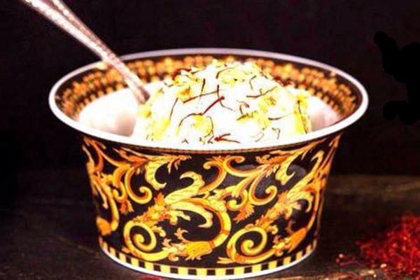 10万円のアイス、4億円のいちごデザート?世界の超高級デザート4選のサムネイル画像