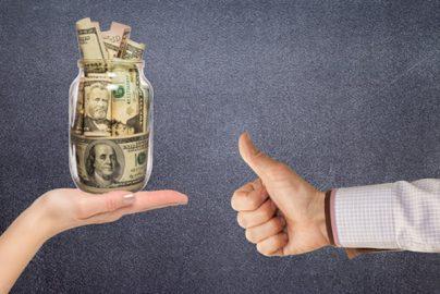 拡充しつつある 購入型クラウドファンディングとは?のサムネイル画像