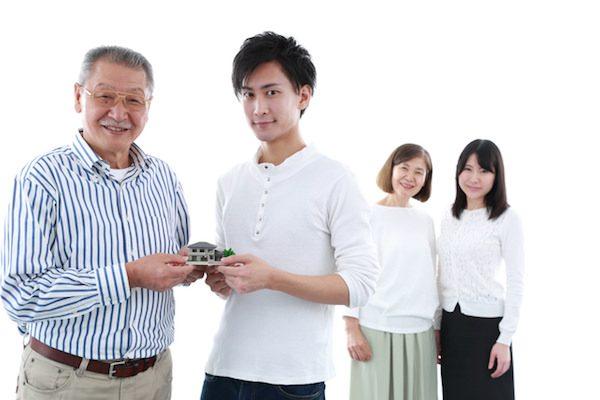 親名義の不動産を生前に名義変更する方法 生前贈与のメリット・デメリット