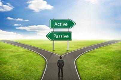 長期積立するなら結局「パッシブ」と「アクティブ」どっちがいいの?のサムネイル画像