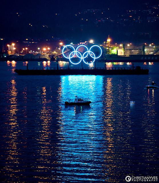 【東京五輪開催決定!】〜注目集まるオリンピック関連株(関連銘柄)のまとめと経済への影響〜のサムネイル画像
