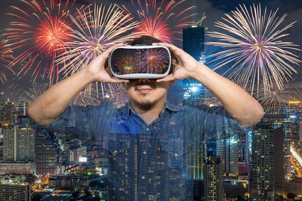 「花火大会」シーズン 敢えて「VR」で楽しんでみる