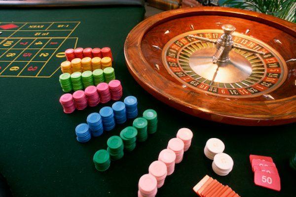 Brexit は「英国史上最大」のギャンブル? 買って損するサマージャンボ