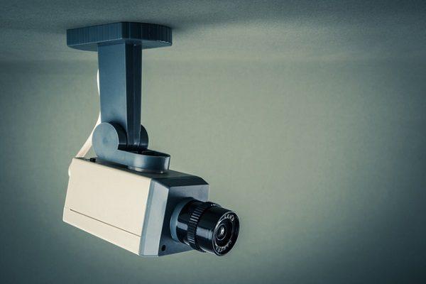 テロ対策強化で「防犯カメラ」設置加速 投資チャンスはどこ?
