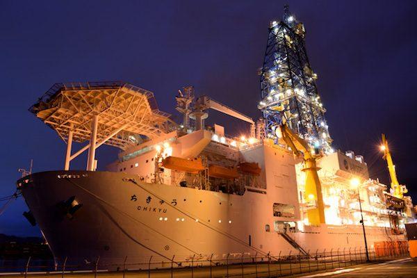 メタンハイドレートからガス採取、4年ぶり成功、経産省が開発