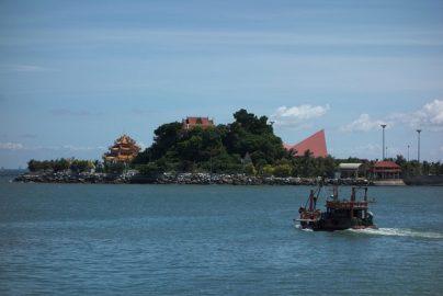 まるで日本の地方都市 タイの漁村・シラチャで急増する日本人のサムネイル画像