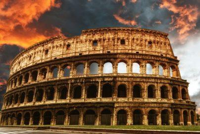 プレミアムフライデーと「滅びゆくローマ帝国」 将来の不安など忘れてカネを使うのが幸せなのか?のサムネイル画像