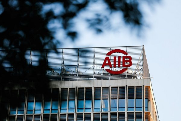 「ドアは開いている」と日米加入呼びかけ AIIB総裁