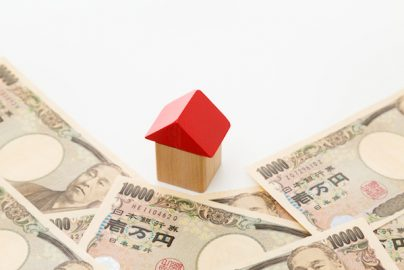 年収700万円4人家族で12万円の家賃は危ない? 設定すべき適正家賃とはのサムネイル画像
