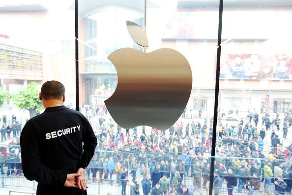 iPhoneが世界販売シェアでサムスンから首位奪回—15年の敵は他の中国勢かのサムネイル画像