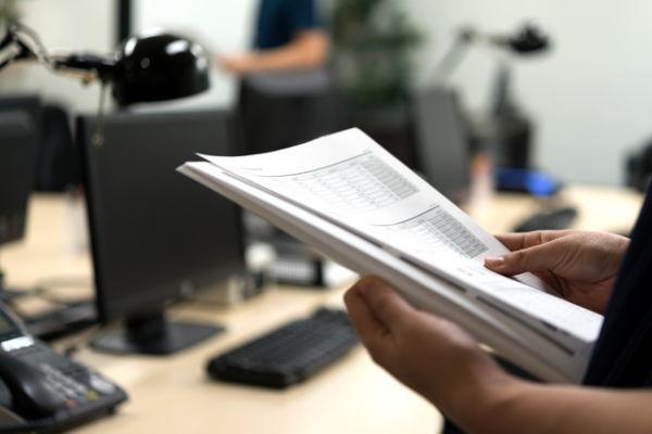 利益調整に関する財務指標に着目した信用リスク分析のサムネイル画像