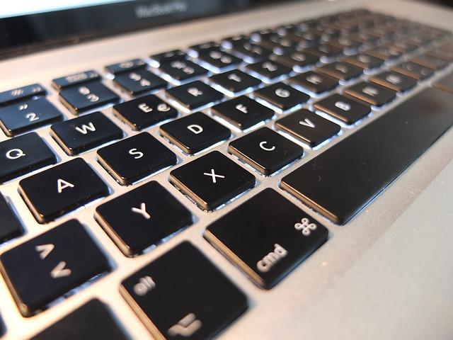 アップルとIBMの提携!企業向けIT市場の新たな開拓なるか?のサムネイル画像
