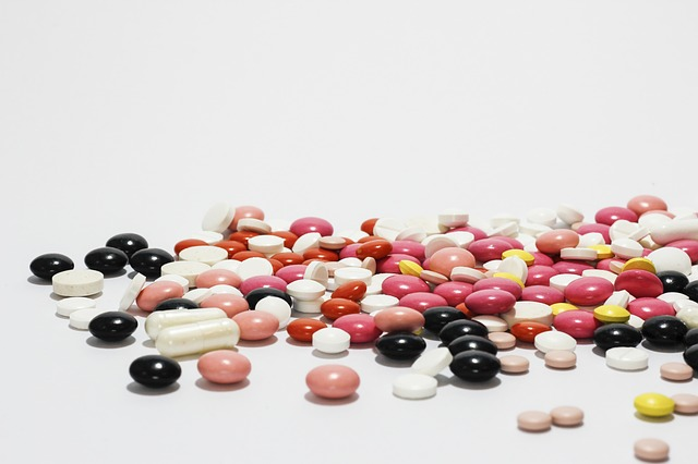 激しい国際競争に晒される日本の製薬産業…課題とは?のサムネイル画像