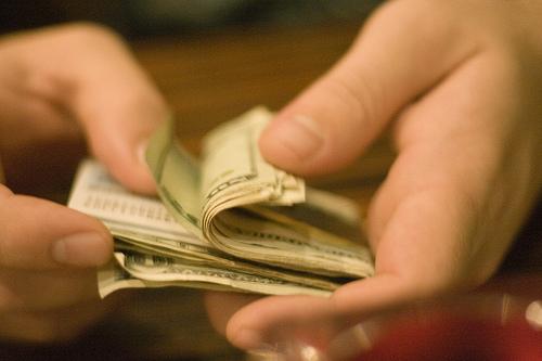 不動産購入は借入と現金支払いどっち?メリット・デメリット比較