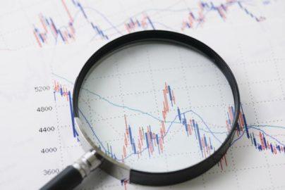 「円高」で日経平均が下落するときに活用したい投資戦略とは?のサムネイル画像