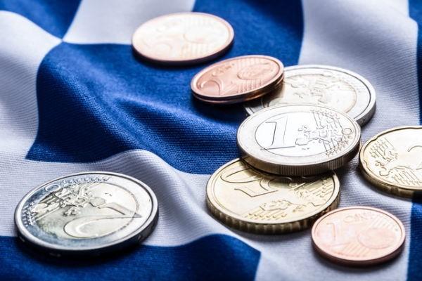 銀行システムへの圧力、ユーロ安効果剥落、投資回復の遅れへの懸念
