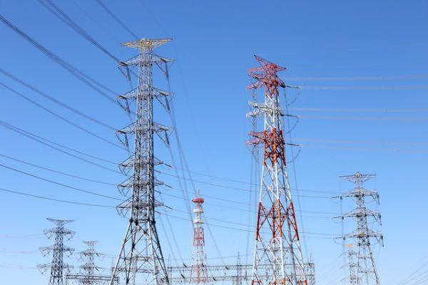 地域間送電網開放へ 電力自由化関連銘柄に注目