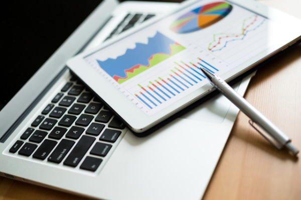 【投資のヒント】決算後に2社以上が目標株価を引き上げた銘柄は