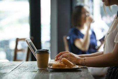 「ネットの口コミ」を参考にして買い物する人は5割以上のサムネイル画像