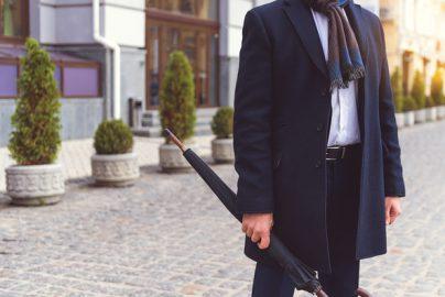 スーツのコートを種類・選び方から組み合わせ例まで徹底紹介のサムネイル画像