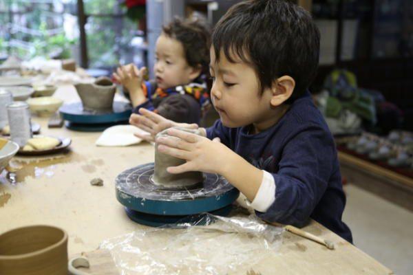 子供にさせたい「職業体験」が人気 時計職人、陶芸家、天体観測……