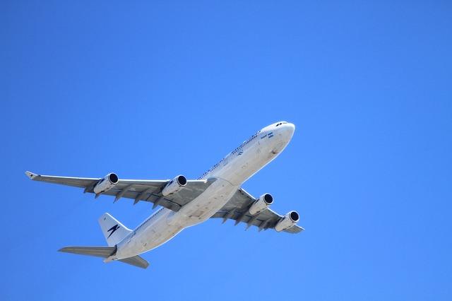 航空業界が抱える2030年問題とは!?各社の対応は間に合うかのサムネイル画像