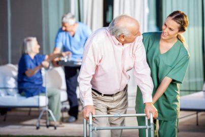 介護事業こそロボット活用が必要 介護士さんを助ける活用場面とはのサムネイル画像