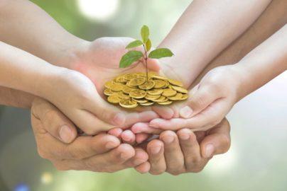 生命保険の給付金、契約者や受取人など「名義」で「税額」が異なる 相続、所得、贈与税……のサムネイル画像