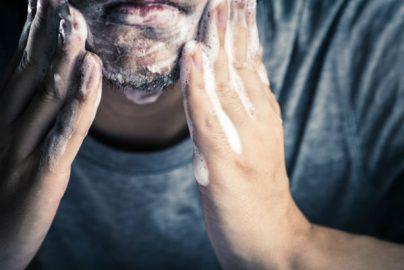 「ベタつく」「面倒」……スキンケアへの誤解に喝! 超簡単「肌トレ」で理想の肌をのサムネイル画像