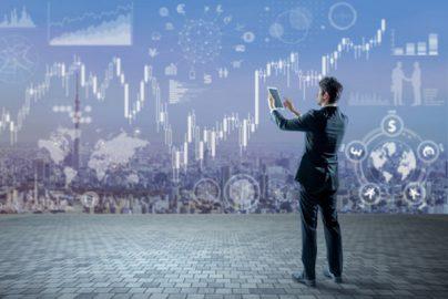 比較!資産運用の王道である株式投資と不動産投資の特徴のサムネイル画像
